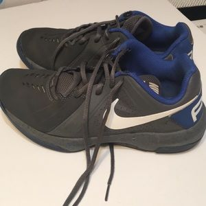 Nike Air Mavin Low, Size 8 Good Condition! S227